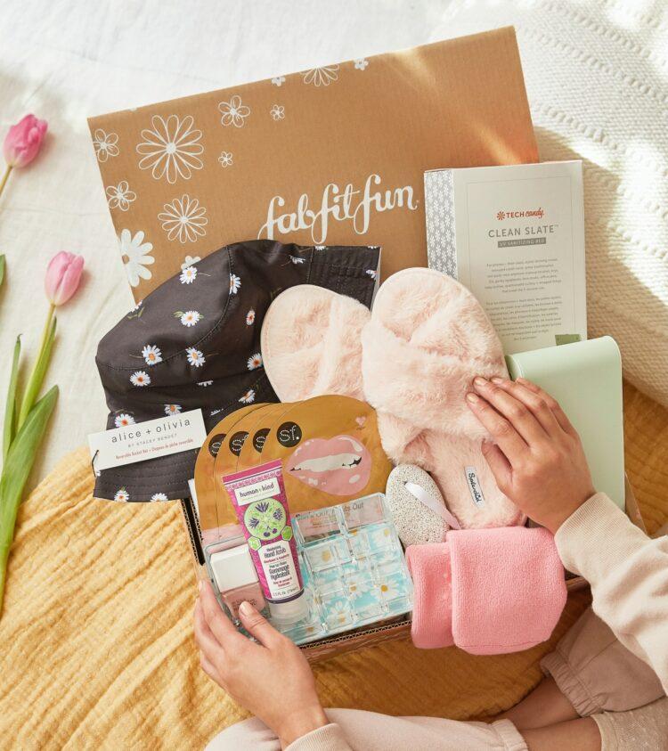 FabFitFun Box Spring 2021 Contents